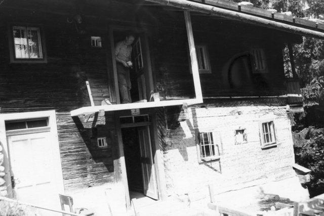 Eingangsbereich des Rablhauses während der Adaptierung als Museum, der Balkon ist noch nicht fertiggestellt