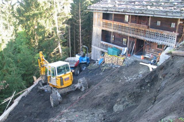 Bauarbeiten hinter dem Rablhaus im Jahr 2004 im Zuge der Errichtung des Zubaues